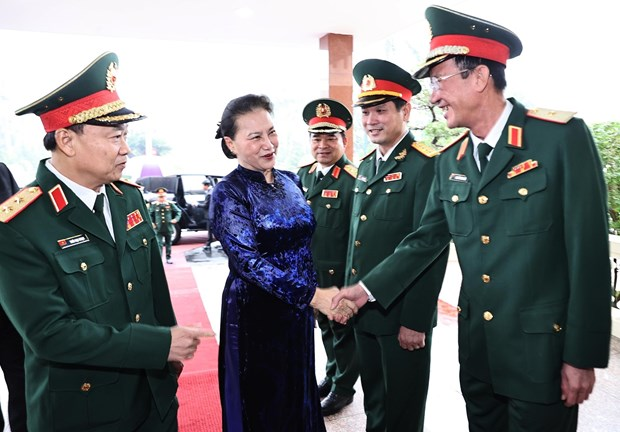 Top legislator visits Military Zone 5 hinh anh 1