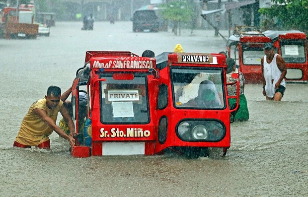 Philippines: thousands evacuate over serious flooding hinh anh 1
