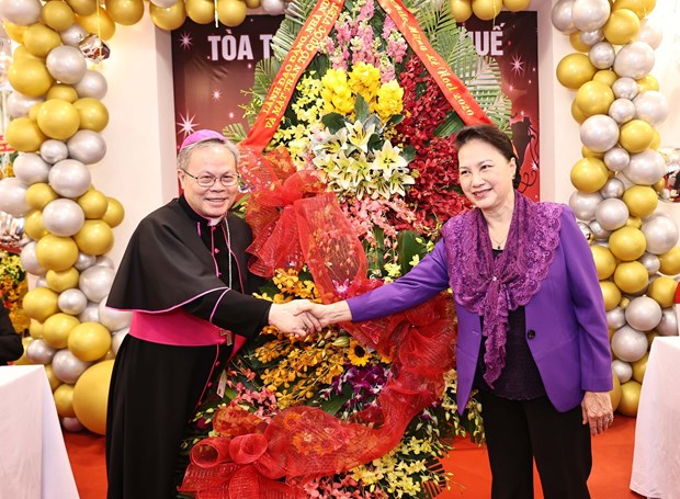 NA leader pays pre-Christmas visit to Archdiocese of Hue hinh anh 1