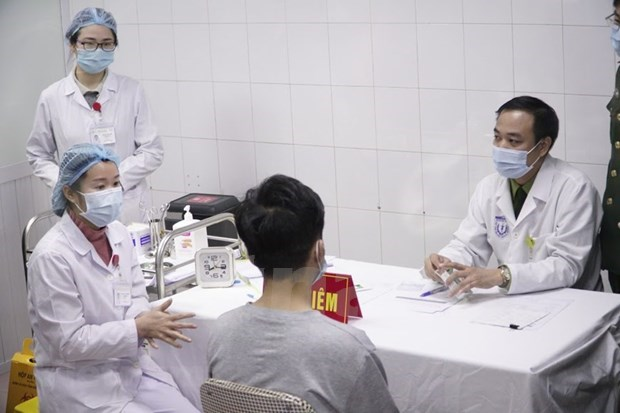 Additional 17 volunteers injected with Vietnamese COVID-19 vaccine hinh anh 1