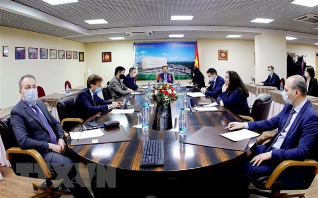 Vietnam, Russia seek to foster economic- trade ties hinh anh 1
