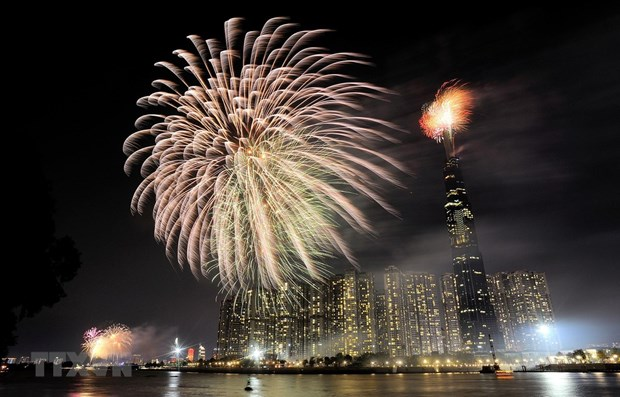 HCM City to set off fireworks to welcome in 2021 hinh anh 1