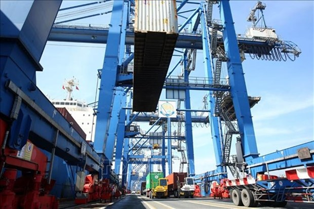 HCM City to move ports out to ease congestion on roads hinh anh 1