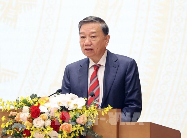 Practical measures needed to handle unlawful returns: Minister hinh anh 1