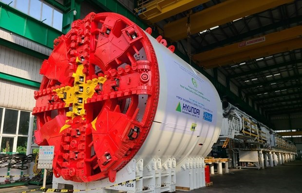 Hanoi: First tunnel boring machine for metro line construction installed hinh anh 1