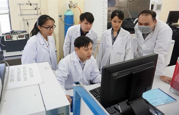 Young scientist receives 2020 Golden Globe Award hinh anh 1
