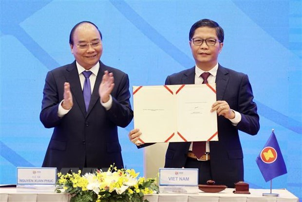 2020 - A year for Vietnam to assert mettle, stature hinh anh 3