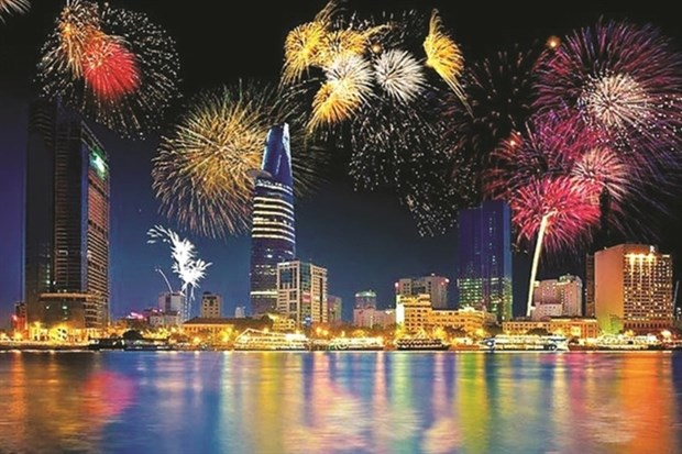 HCM City celebrates New Year with special art performances hinh anh 1