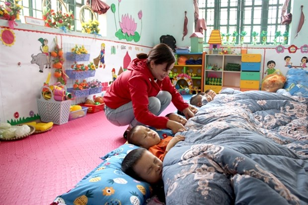 Lao Cai keeps students warm during cold winter hinh anh 1