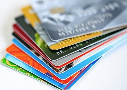 Banks to stop issuing magnetic strip cards in three months hinh anh 1