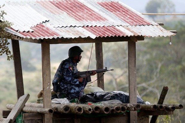 Myanmar: Insurgents free ruling party politicians hinh anh 1