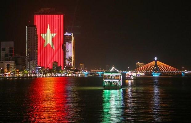 Da Nang resumes night activities on Han River hinh anh 2