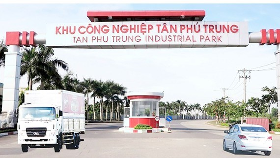 HCM City infrastructure development to focus on services sector hinh anh 1