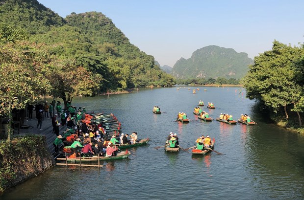 Ninh Binh strives to host 7 million visitors in 2021 hinh anh 1