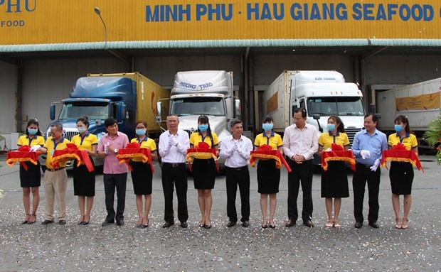 First batch of shrimp exports for 2021 leave port hinh anh 1