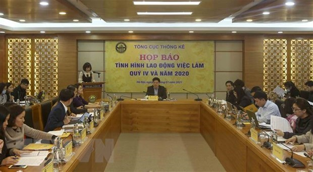 Nearly 70 percent of labourers suffer income reduction due to COVID-19 hinh anh 1