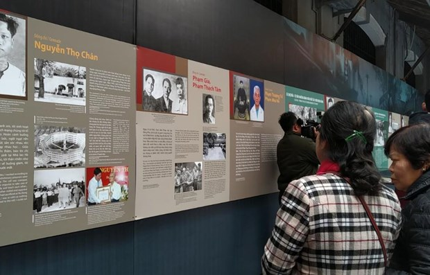 Exhibition marking 13th National Party Congress opens at Hoa Lo Prison hinh anh 1
