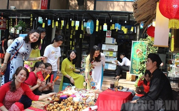 HCM City's Book Street celebrates 5th birthday hinh anh 1