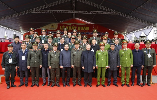 Forces ready to ensure safety for 13th National Party Congress hinh anh 1