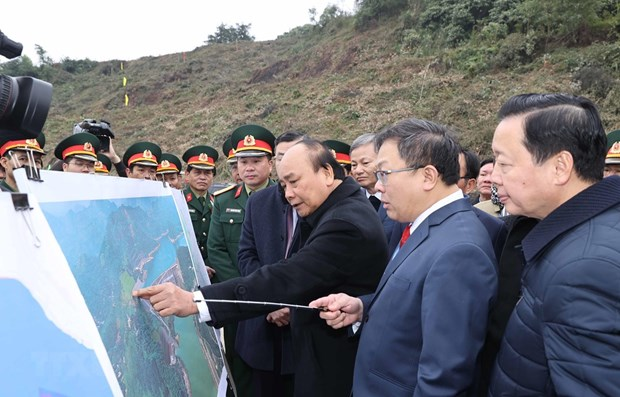 Construction of expanded Hoa Binh hydropower plant kicks off hinh anh 1