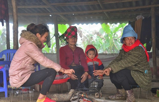 Many northern schools temporarily close due to strong cold spell hinh anh 1