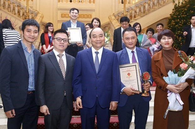 Awards to honour excellent press works on Party building hinh anh 1