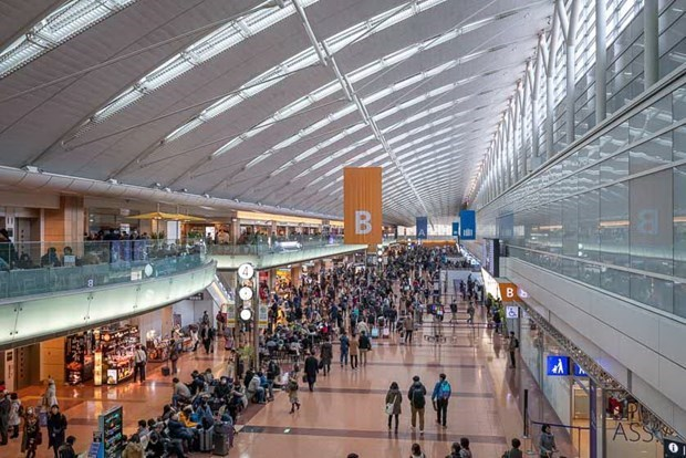 Japan adjusts entry policy for foreigners hinh anh 1
