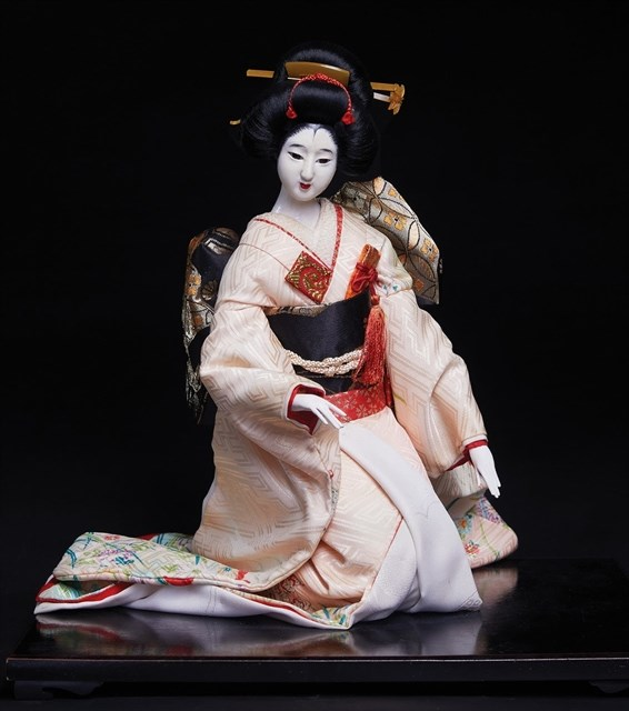 Traditional Japanese doll exhibition opens in HCM City hinh anh 1