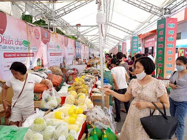 Vietnamese food producers should embrace changing trends to survive: experts hinh anh 1