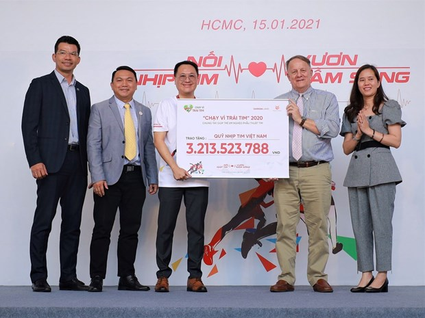 Over 3 billion VND raised at Run for the Heart race hinh anh 1