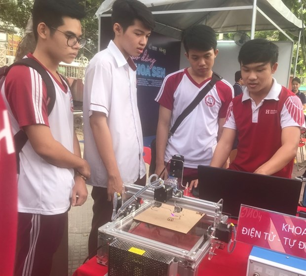Universities offer new majors for 2021-22 academic year hinh anh 1