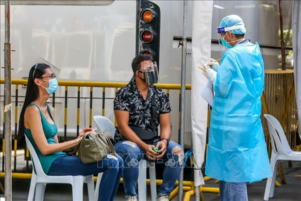 COVID-19 pandemic worsens in Philippines, Indonesia hinh anh 1
