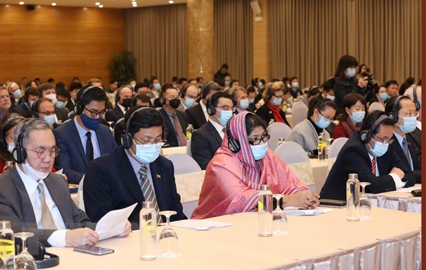 Diplomatic corps, int'l organisations informed about 13th National Party Congress hinh anh 2
