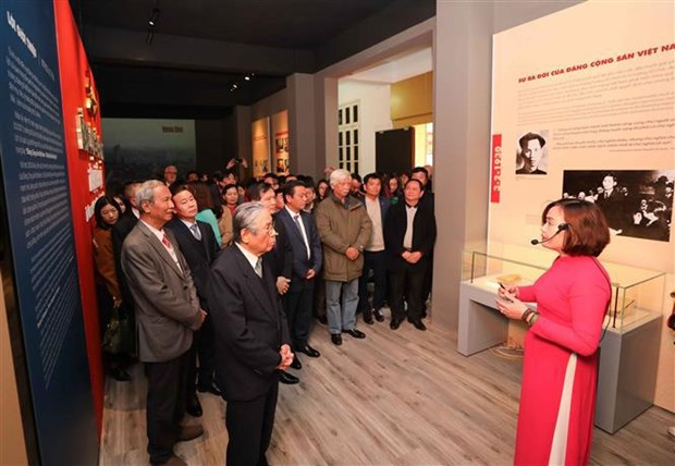 National history museum exhibition marks Party's founding anniversary hinh anh 2