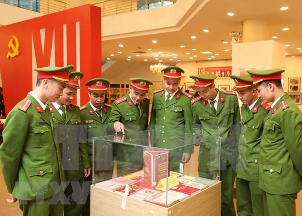 Public security intelligence force must put itself under Party's leadership: PM hinh anh 2
