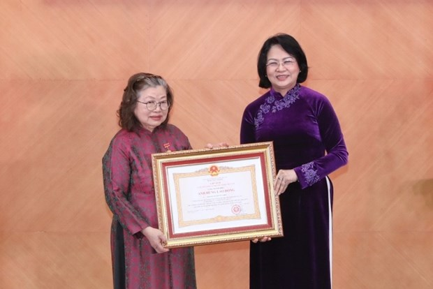 80-year-old vaccine researcher honoured with Hero of Labour title hinh anh 1