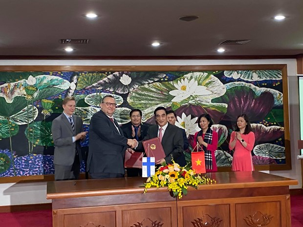 Finland provides 100 mln USD for public sector investment in Vietnam hinh anh 1