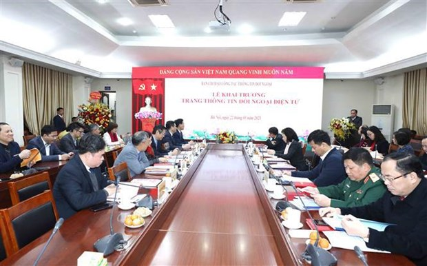News website, handbook on external relations launched hinh anh 3