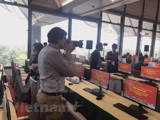 More than 200 media outlets to cover 13th National Party Congress at the scene hinh anh 5
