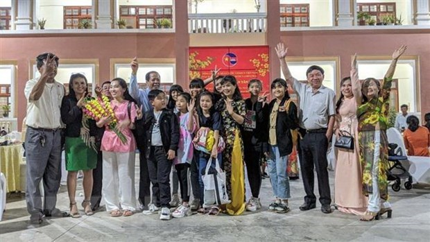 Vietnamese expats in Cambodia look forward to 13th National Party Congress hinh anh 1
