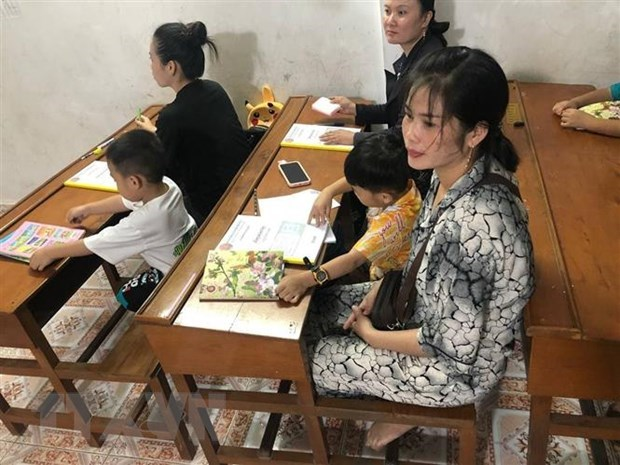 Khmer language course opens for overseas Vietnamese in Cambodian province hinh anh 1