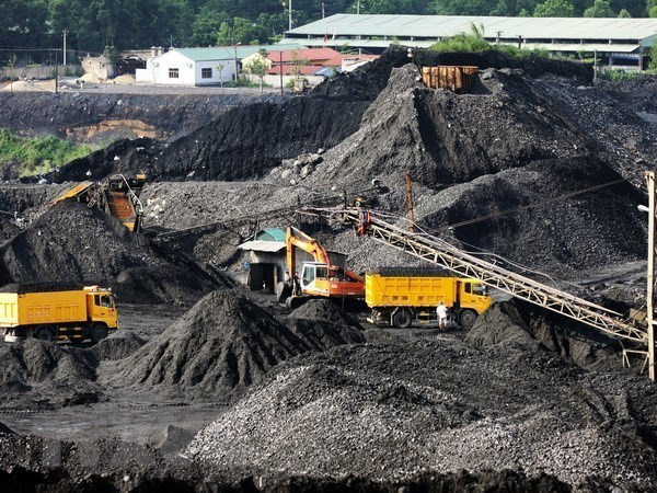 Coal corporation speeds up implementation of key projects hinh anh 1