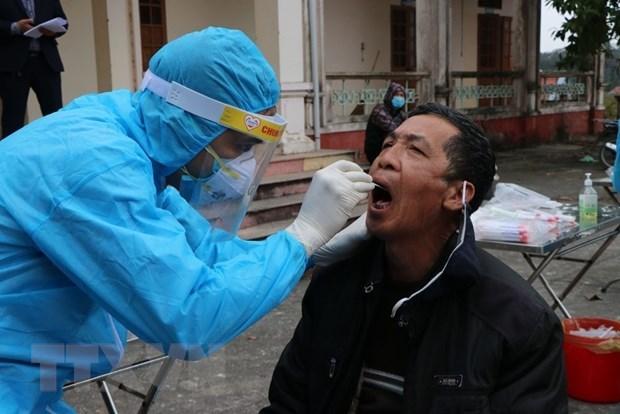 Quang Ninh receives 10,000 COVID-19 testing kits from SunGroup hinh anh 1