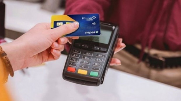 Banks launch domestic credit chip cards hinh anh 1