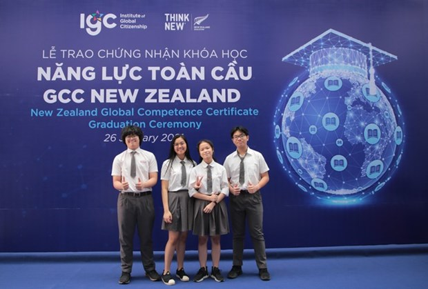 Vietnamese students receive New Zealand global competence certificates hinh anh 1