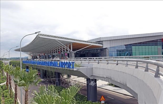 All flights from/to COVID-19-hit Quang Ninh province suspended hinh anh 1