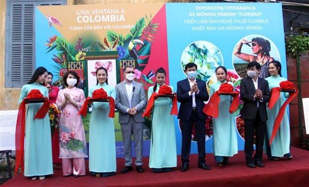Exhibition in Quang Nam introduces Colombian flowers hinh anh 1