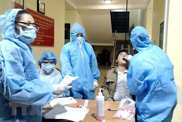 Quang Ninh imposes social distancing in Van Don, lockdown in Cai Rong hinh anh 1