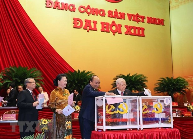 Lao leaders extend congratulations to Party General Secretary on re-election hinh anh 1