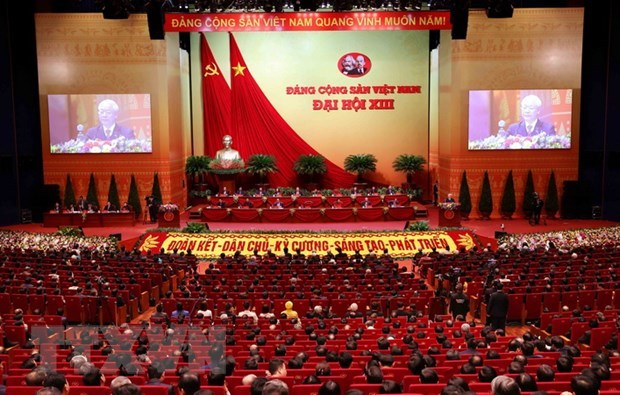 Lao newspaper highlights success of Party Congresses in Vietnam, Laos hinh anh 1